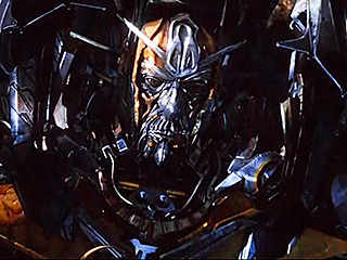 TRANSFORMERS 3: The Dark of the Moon (2011)... Spoiler/Rumeurs [page 2] - Page 39 1301598554_transformers-3_320