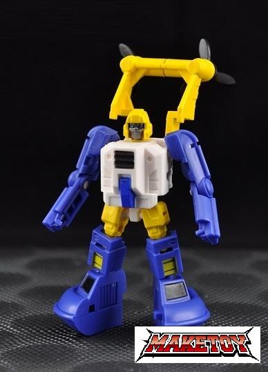 [MakeToys] Produit Tiers - Minibots, G2 Optimus, MM-01 Trashtalk & Cogwheel (aka Swerve/Embardo & Gears/Rollo), MM-02 Rear End (aka Tailgate/Hayon), MT-03 Hyper Novae (aka Nova Prime) d'IDW 1308820711_m2