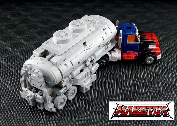 [MakeToys] Produit Tiers - Minibots, G2 Optimus, MM-01 Trashtalk & Cogwheel (aka Swerve/Embardo & Gears/Rollo), MM-02 Rear End (aka Tailgate/Hayon), MT-03 Hyper Novae (aka Nova Prime) d'IDW 1308820711_m9