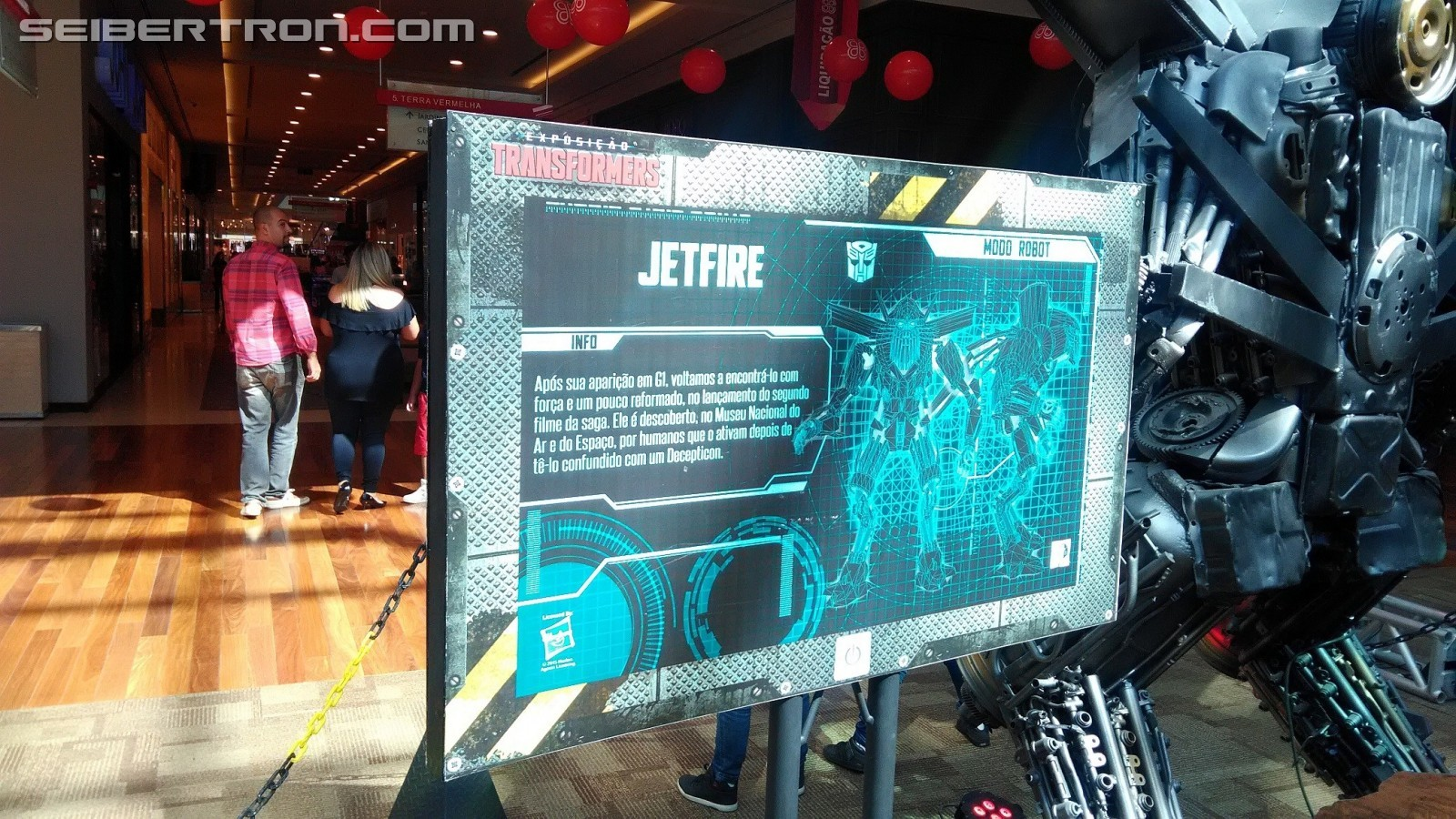 Transformers News: Images and Videos from Transformers: The Last Knight Animatronics Exhibition in Brazil