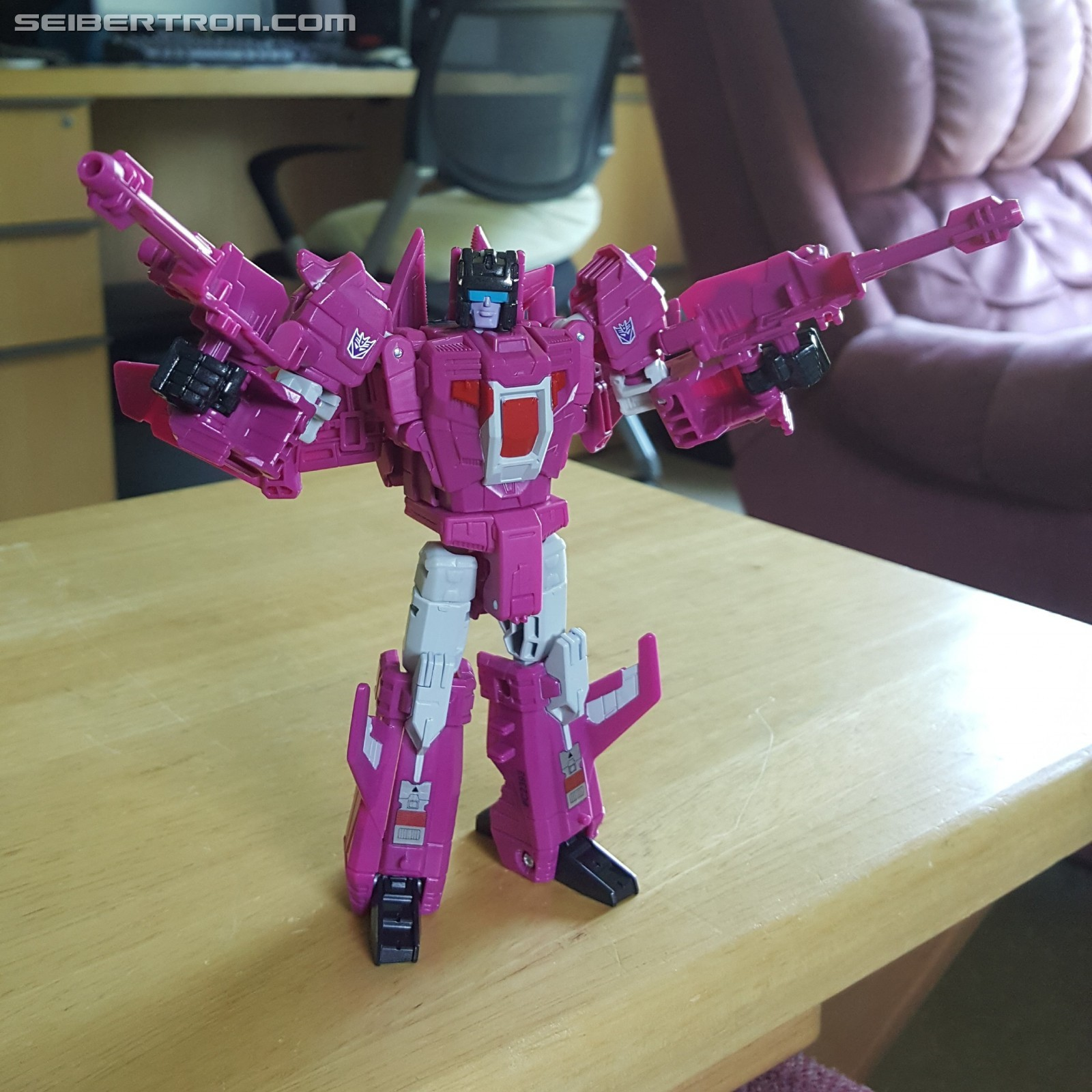 Transformers News: Pictorial Review of Transformers Titans Return Deluxe Misfire