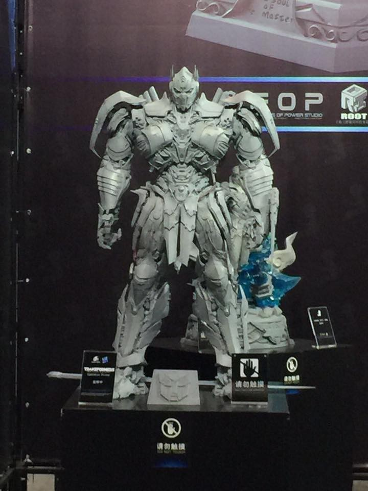 Transformers News: Shanghai Comic Con 2017 Coverage - Statues, Figures, Licensed Products