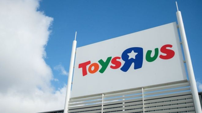 Transformers News: Toys'R'Us UK at RIsk of Closing 25 Stores,
