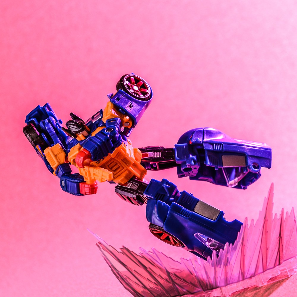 Transformers News: Pub Talk: Pose for the Camera