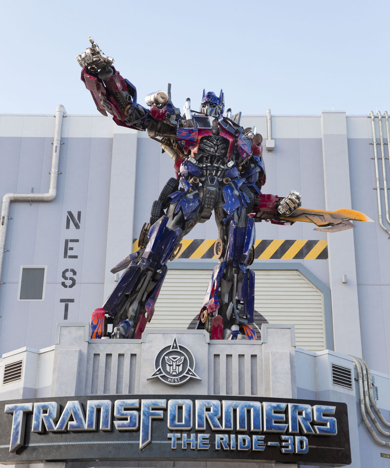 Life-Size Optimus Prime atop Universal Orlando Resort's TRANSFORMERS: The Ride 3D