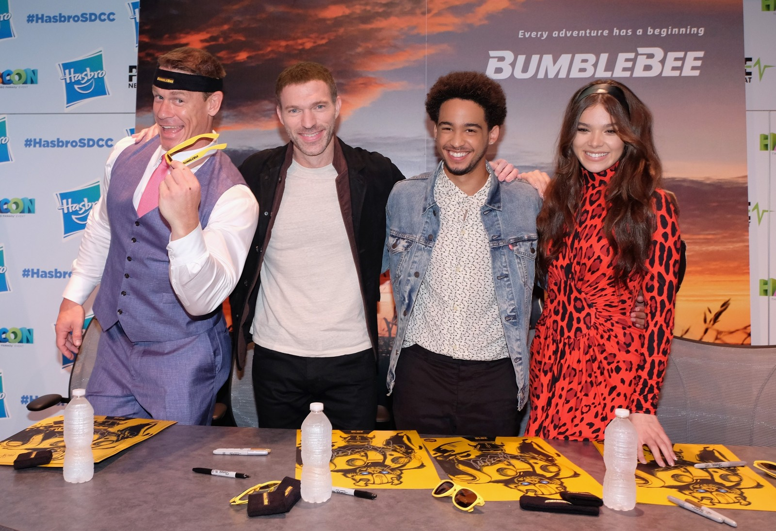 Transformers News: Official Transformers Bumblebee Movie Poster and #SDCC2018 Event Images #BumblebeeMovie