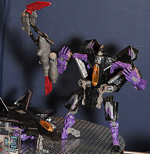 Tokyo Toy Show 2011 - Takara Exhibit + Deluxe Skywarp Revealed!