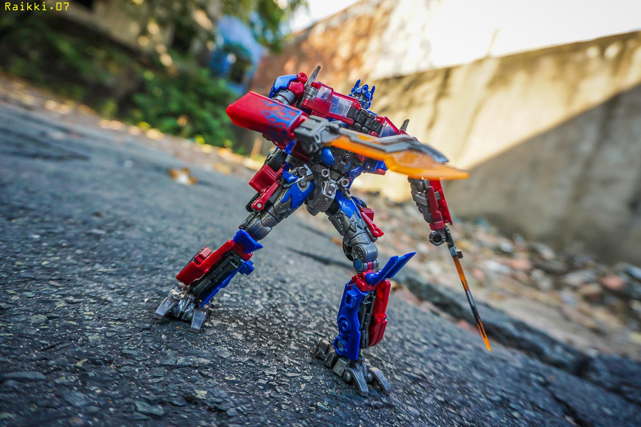 Hasbro Transformers Studio Series Optimus Prime Optimus Prime 05 Voyager Class