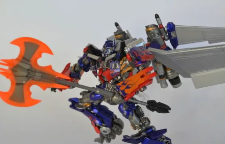 Sci-Fi Revoltech #40 Optimus Prime DX Video