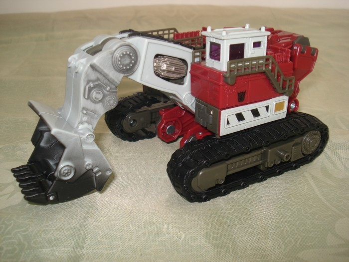 New Images of ROTF Constructicon toy.
