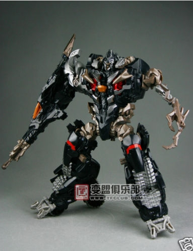 New Images of ROTF Shadow Megatron and Final Defense Optimus Prime
