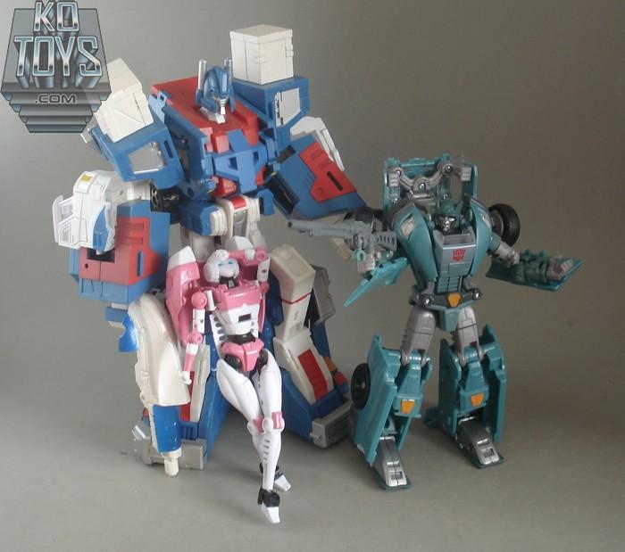 Jouets Transformers Generations: Nouveautés Hasbro - partie 1 - Page 5 1289808725_GenerationsKUP29