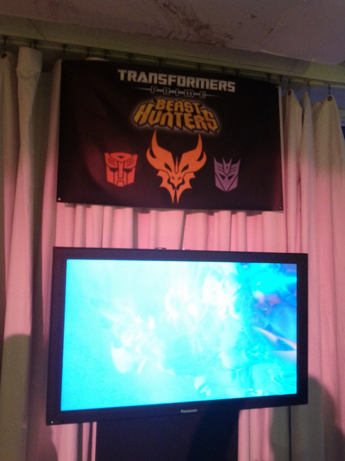 NYCC 2012 Coverage Continues: Predacon Faction Revealed!