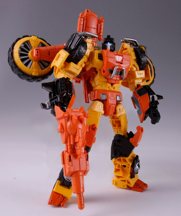 Transformers News: In Hand And Packaged Images Of TakaraTomy Generations Sandstorm