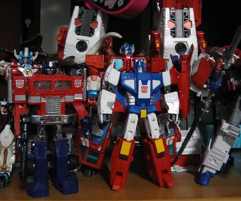 Transformers News: New size comparison images of Masterpiece Star Saber
