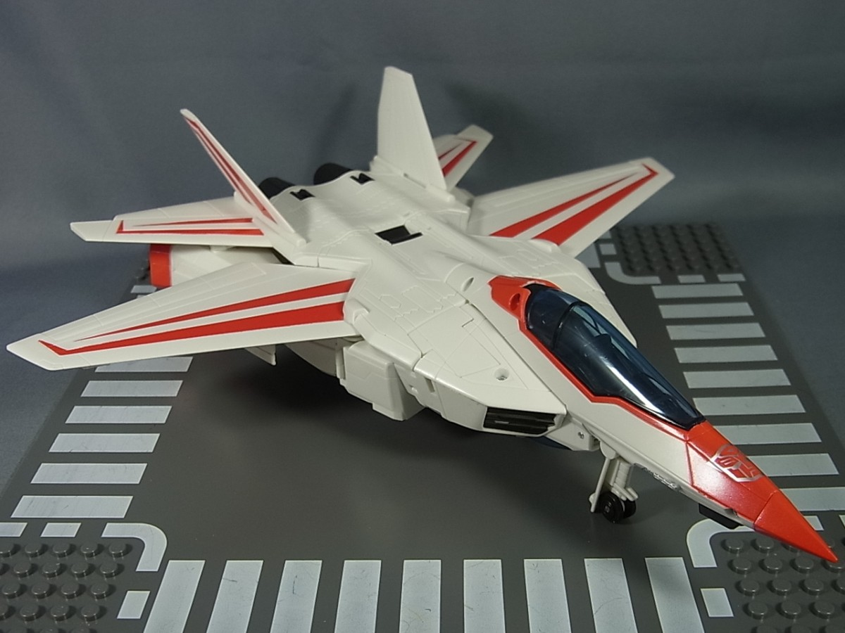 Transformers News: Takara Tomy Transformers Legends Gel Shark And Jetfire In-Hand Images