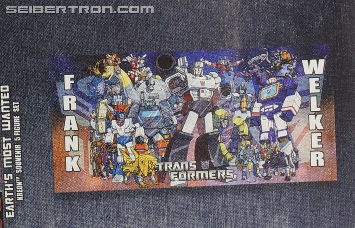 Transformers News: BotCon 2015 - Souvenir Toy Reveals and Convention Comic Cover