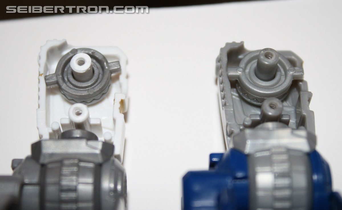Transformers News: Combiner Wars Battle Core Optimus Prime Factory Installed Hip Fix