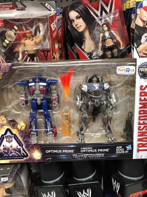 Transformers News: Transformers: The Last Knight Mission To Cybertron Deluxe Optimus Prime 2-Pack Sighted in California