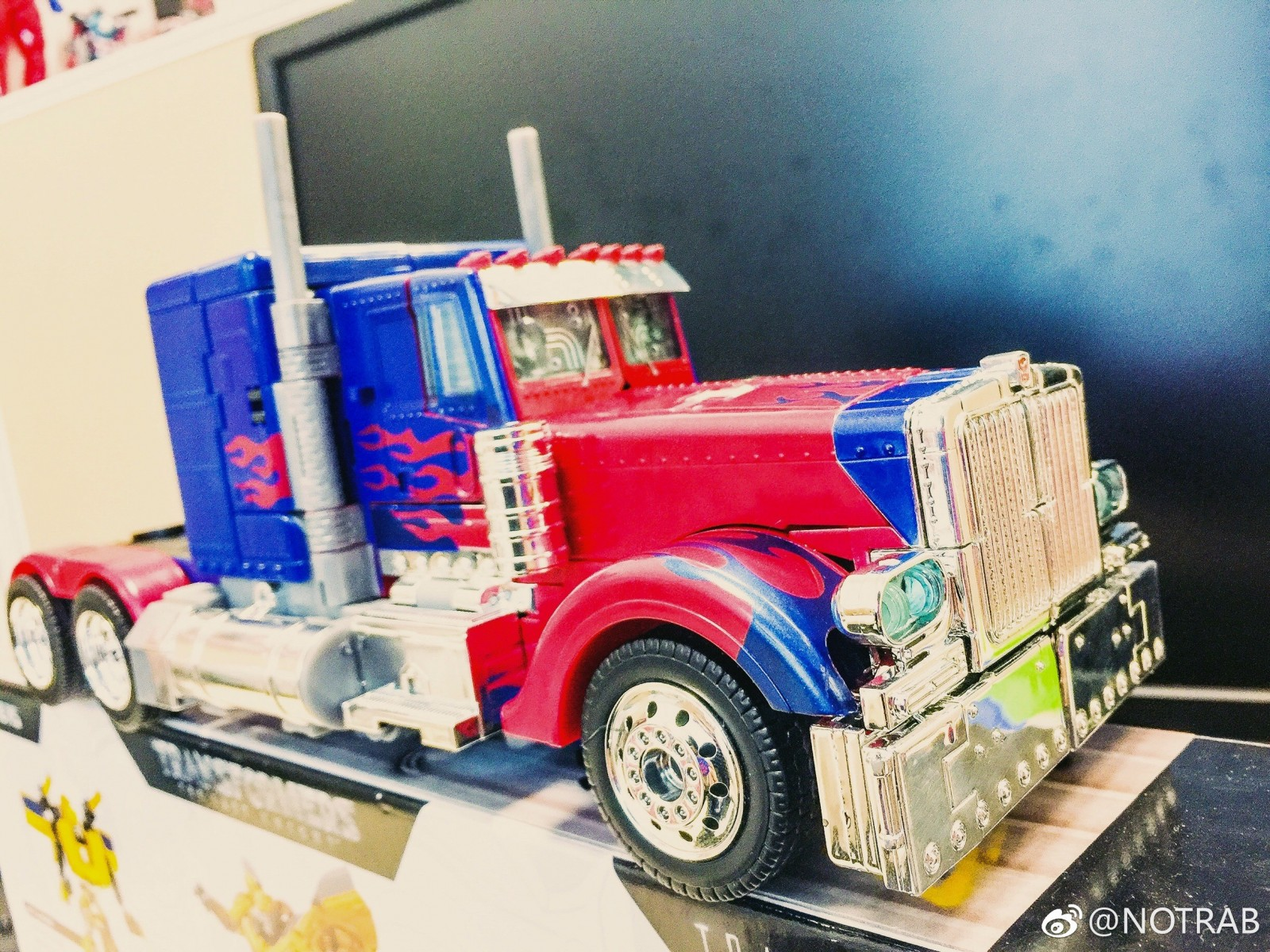 Transformers News: Possible '07 Movie Leader Optimus Prime Redeco And Bumblebee 3-Pack
