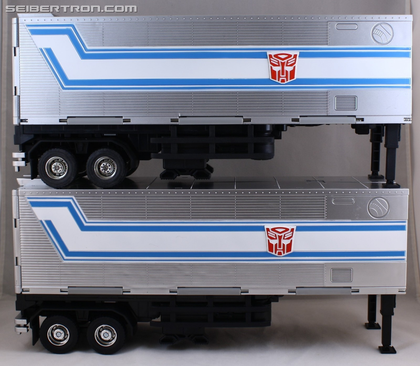 Hasbro Transformers Masterpiece Mp 10 Optimus Prime Images And Convoy News Comparisons To Previous