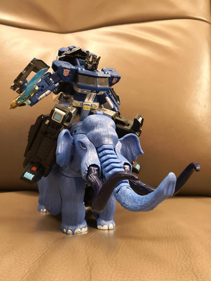 Transformers News: LG-EX Blue Big Convoy first in hand photos arrive