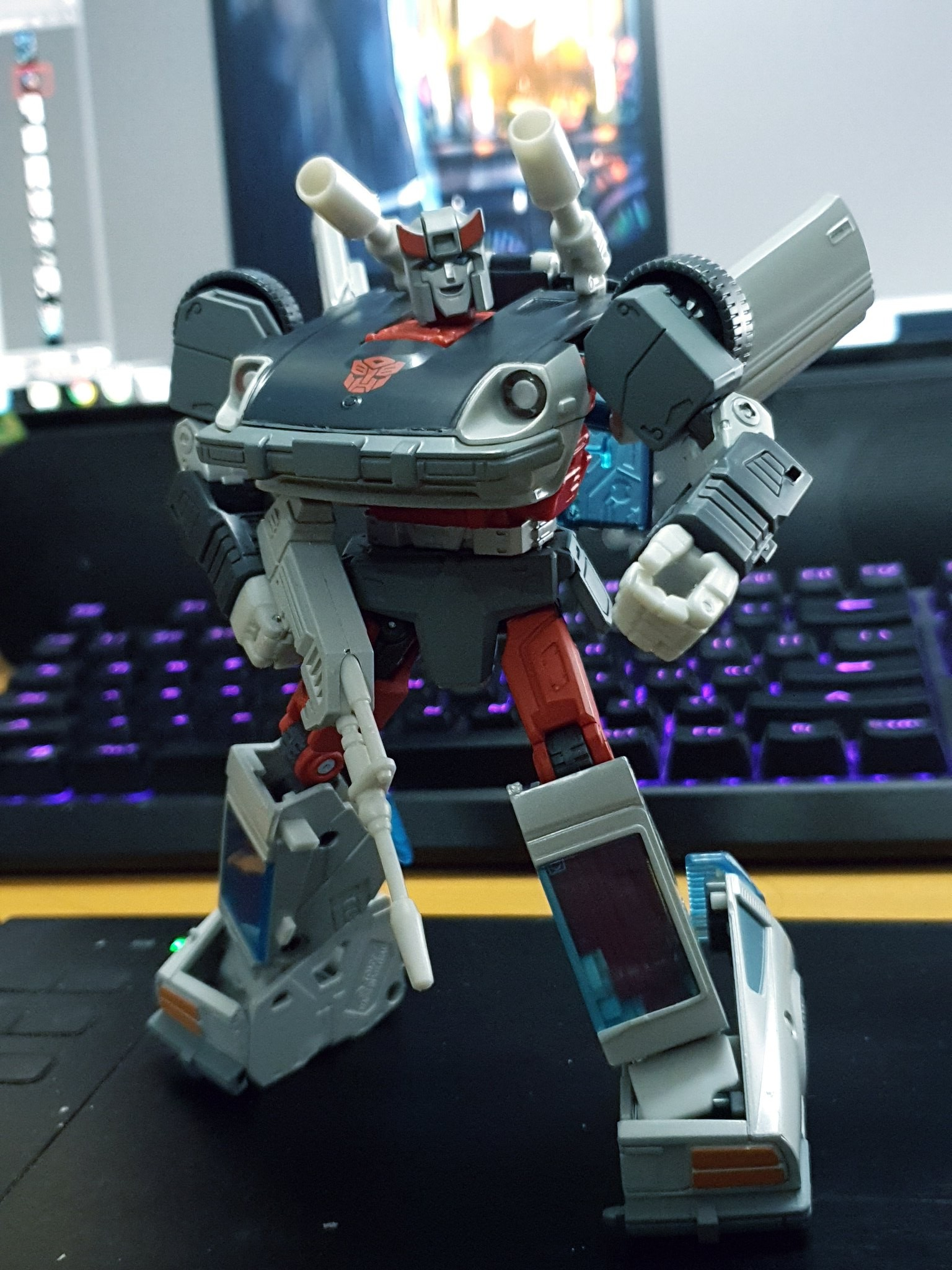 Transformers News: In-Hand Images of Masterpiece MP-18+ Anime Bluestreak