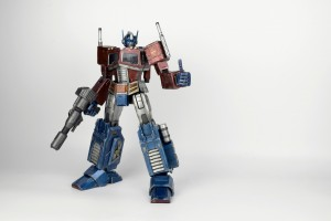 More Information on Hasbro 3A Transformers Generation 1 Optimus Prime Statue