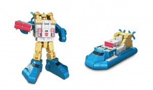 Transformers News: Video Review of Titans Return Seaspray