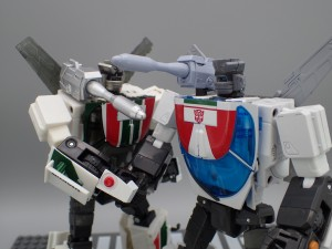 Masterpiece MP-20+ Wheeljack Comparison Gallery with MP-20