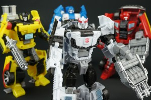 New Galleries: Combiner Wars Prowl, Mirage, Ironhide, Sunstreaker and Ultra Prime