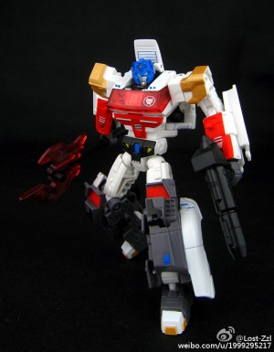 More In-Hand Images of Transformers Collectors' Club Subscription Figures
