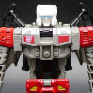 Transformers News: New In Hand Images of Titans Return Wave 3 Deluxes Hot Rod, Triggerhappy, Breakaway, and Twinferno