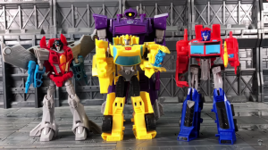 Transformers News: Video Reviews of Transformers Cyberverse Bumblebee and Optimus Prime