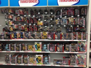 Transformers News: How Toysrus' Healthy Canadian Subsidiary is being Dragged Down by its Parent Company