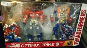 Transformers News: Evolutions Optimus Prime 2-pack in hand Images