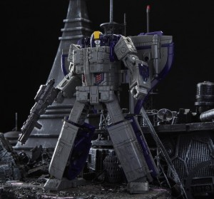 Transformers Siege Official Transformation Videos for Astrotrain, Crosshairs, Barricade, Impactor
