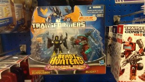 "Transformers News: ""Predacons Rising"" Night Shadow Bumblebee vs. Blight Spotted in Retail"
