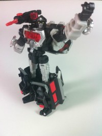 Transformers News: e-Hobby Magnificus New In-Hand Images, Color Version of Comic Cover, and Bio