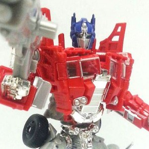 Transformers News: New images of upcoming Platinum Age of Extinction Voyager Grimlock and Evasion Mode Optimus Prime
