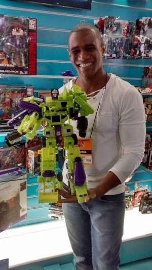 New Combiner Wars Devastator Pics Show Off Massive Scale