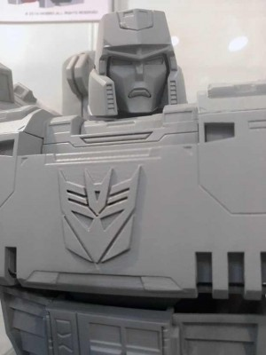 Transformers News: Additional Images and Video of Fewture UM-03 Ultimetal Megatron