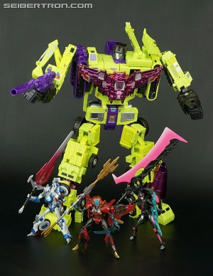 Transformers News: SDCC 2015 Exclusives Available on HasbroToyShop.com on July 28th