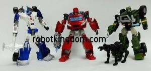 Transformers News: In-Hand Images: Asian Market Exclusive Specialist: Autobots