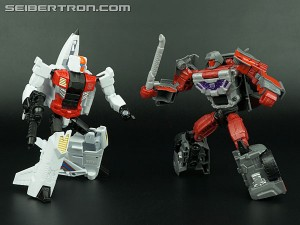 Transformers News: Quickslinger And Brake-Neck Now Available At BBTS, TFSource, TRU & Target