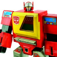 Transformers News: Hasbro SDCC Exclusive Images: Blaster, Mighty Muggs Prowl, and more!