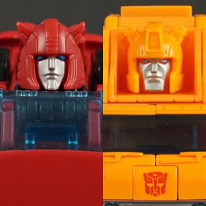 New Galleries: Grapple and Cliffjumper from Transformers War for Cybertron Earthrise