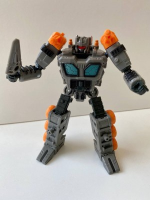 New Images of Transformers Earthrise Deluxe Class Fast Track