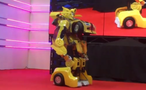 2015 Tokyo Toyshow - Automated Transforming Bumblebee