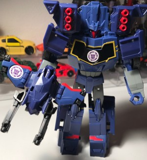 Pictorial Review of Transformers: Robots in Disguise Combiner Force Activator Soundwave